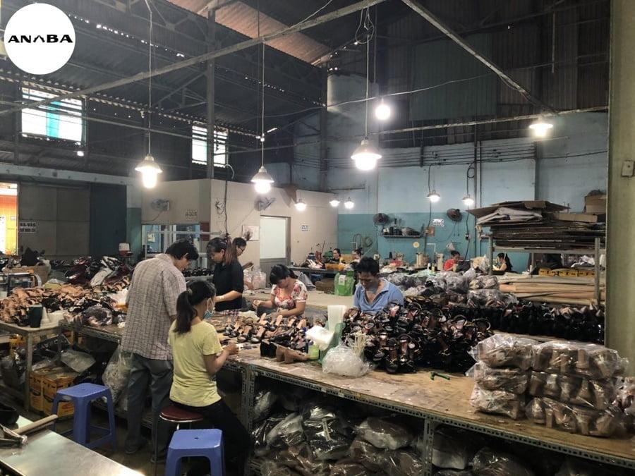 xưởng gia công giày theo mẫu