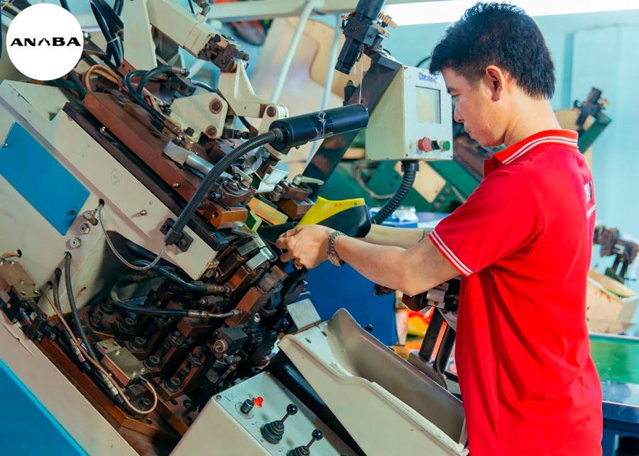 xưởng gia công giày Việt Nam xuất khẩu