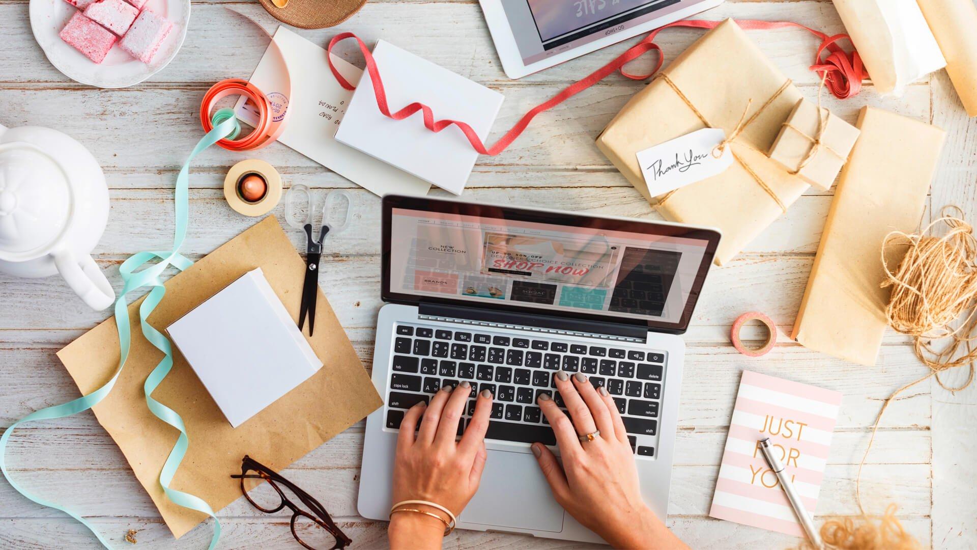 Mô hình kinh doanh phổ biến hiện nay là kết hợp kinh doanh online và offline