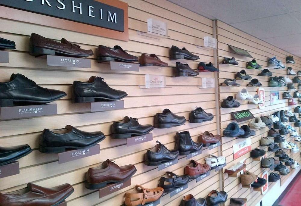 Giày dép luôn là sản phẩm được tiêu thụ nhiều và cần thiết với mọi lứa tuổi