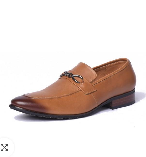 AB M003 - Mẫu giày nâu thời thượng pha chút gam màu cổ điển tạo nên sức hút với người đối diện.