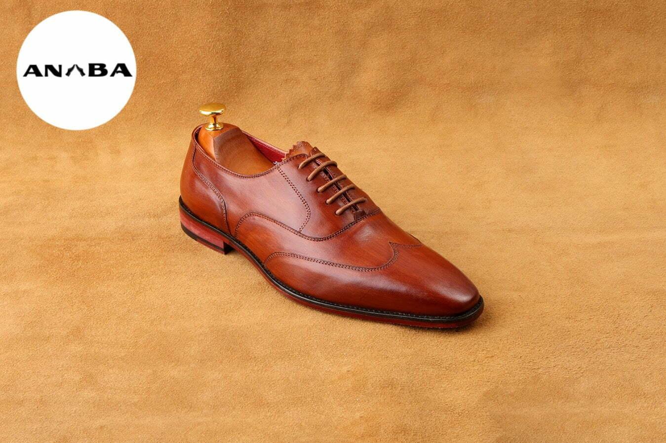 Bên cạnh đó, còn rất nhiều nguyên nhân khiến giày nam da thật dễ bị hư hỏng như: giày ẩm ướt không được phơi khô. Không vệ sinh giày đúng cách, sử dụng hoá chất làm hư da giày,...