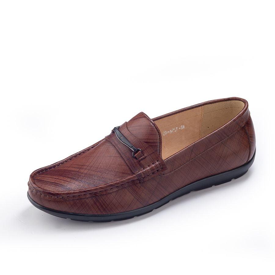 Giày mọi nam thời trang AB – MO240 sở hữu form giày ôm sát chân sang trọng và quý phái. Tạo sự thoải mái, phá cách và thời thượng