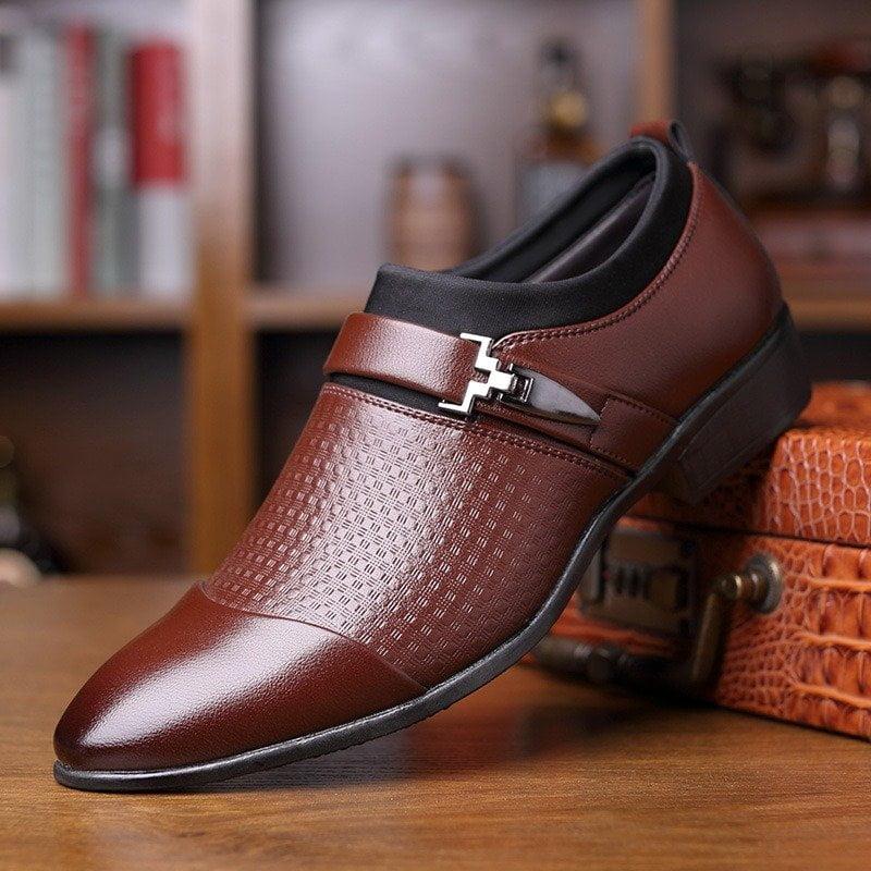Shop giày HCM Casear với các sản phẩm làm bằng da thật 100%, với kiểu dáng Ý
